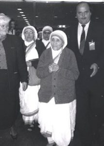 Mutter Teresa 1989 beim Familienkongress in Bonn; Foto: M. Koller